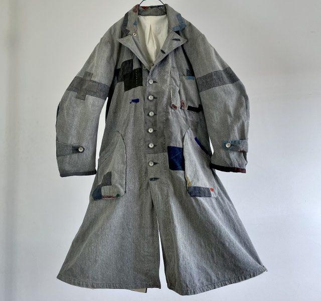 """Vintage """"Au Molinel"""" Linen/Cotton Twill Fabric Made """"Gris de Travilie"""" Work Coat"""